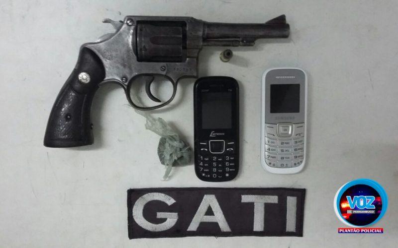 Gati detêm rapaz por porte ilegal de arma no Bairro Novo em Carpina
