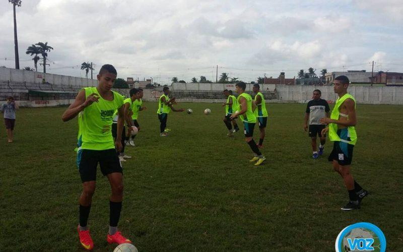 Zagueiro campeão da Copa do Interior por Carpina, Gabriel Araújo é destaque no América