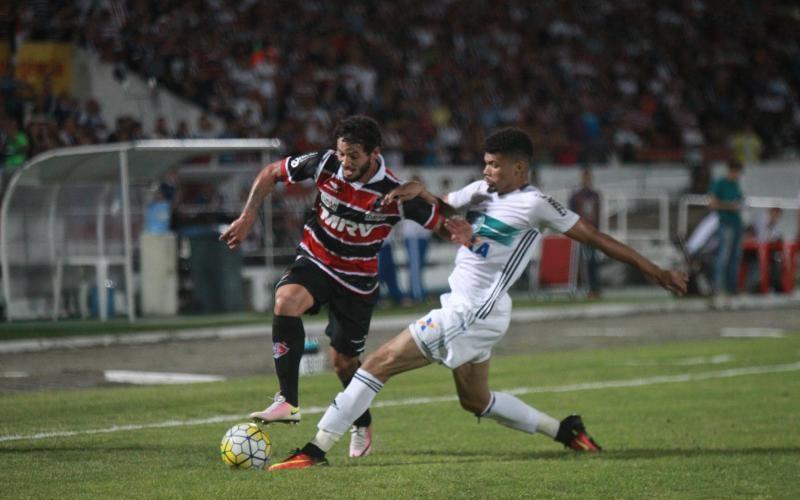 No Arruda, Santa Cruz é derrotado pelo Coritiba