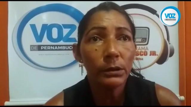 Mulher reclama de falta de medicamentos em Carpina