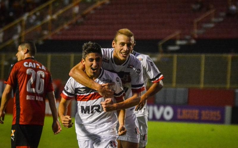 Com gol de estreante, Santa Cruz consegue empate com Vitória/BA fora de casa