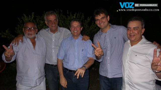Prefeito eleito de Paudalho Marcello Gouveia reúne aliados políticos em festa de aniversario