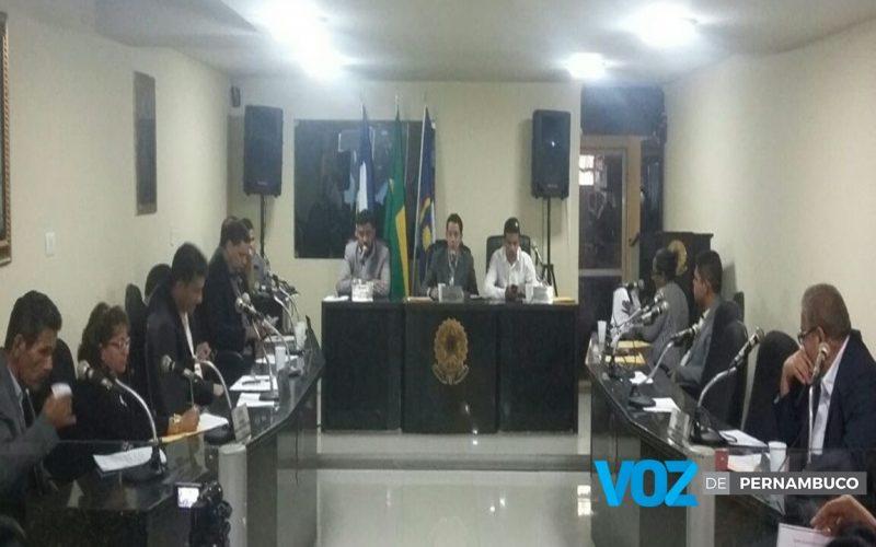 Em rápida sessão, Câmara aprova votação da receita para o ano de 2017 em Carpina
