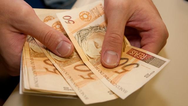 Governo de Pernambuco anuncia datas para pagamento do 13º salário de servidores