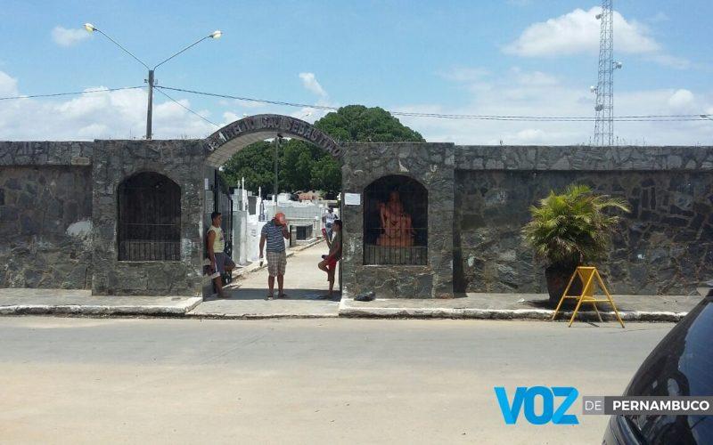 Paróquias de São José e Santo Antônio divulgam horários de missas de finados em Carpina