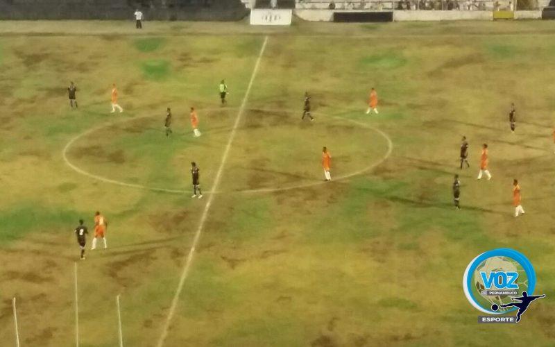 Central e Atlético-PE ficam no 0x0 no Lacerdão